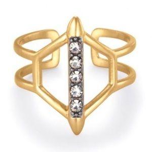 BNWOT 🎈🥂💋 Stella & Dot terra Ring gold color